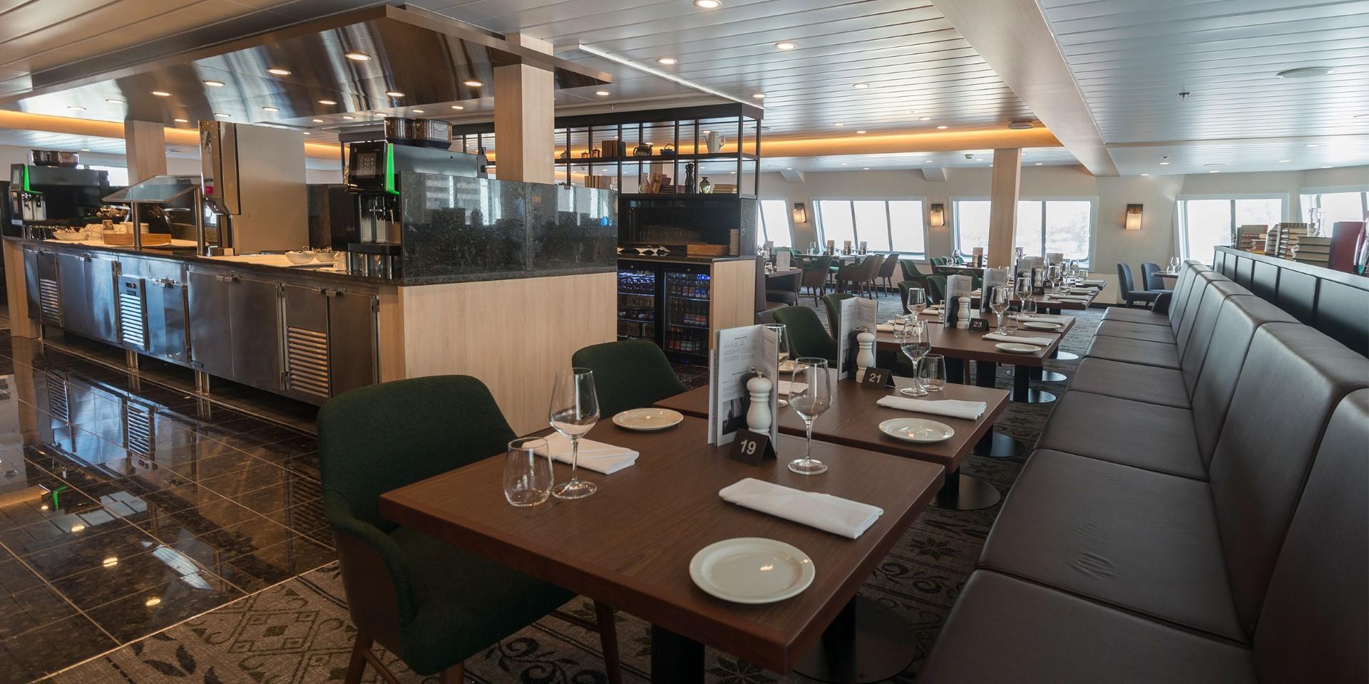 MS Spitsbergen Main Dining