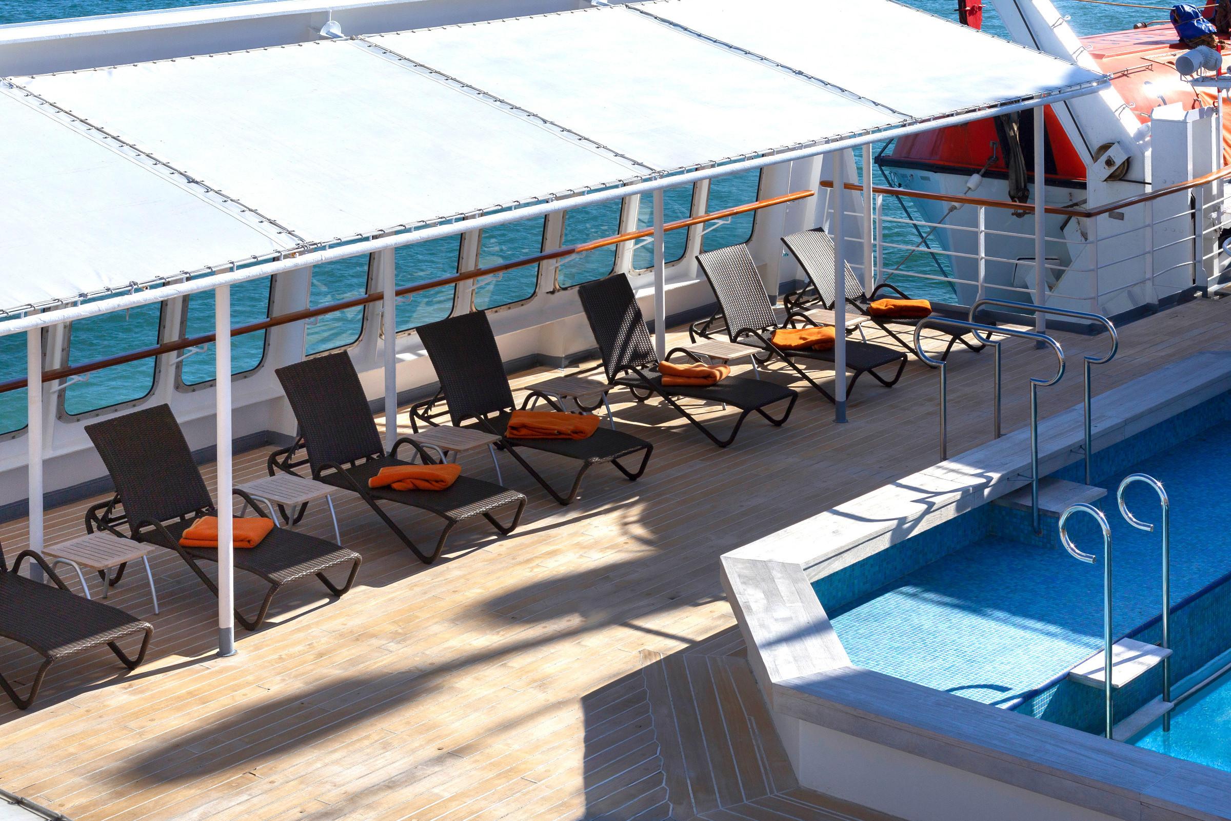 MS-Seaventure-Sun-Deck