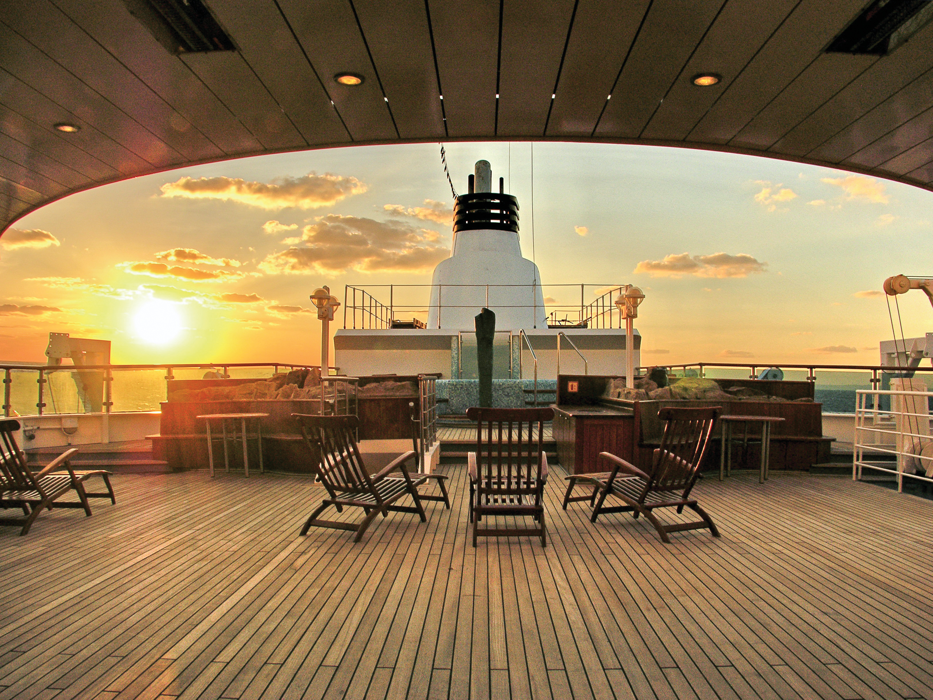 National Geographic Orion Open Deck