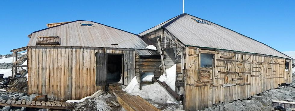 Commonwealth Bay - Mawson's Hut