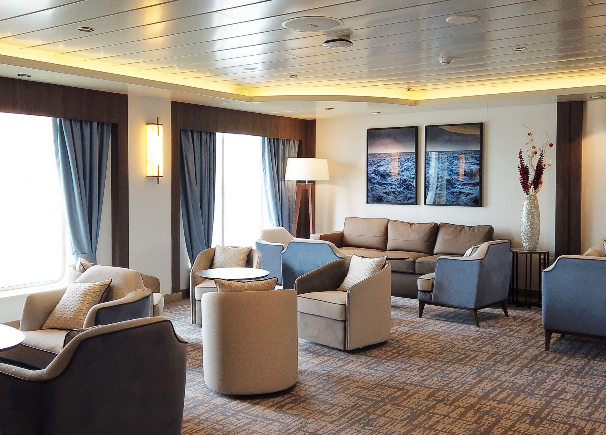 greg-mortimer-lounge-area-scaled
