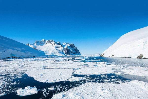 9 Nights Polar Circle Air Cruise
