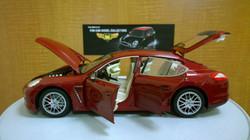 Porsche Panamera 1-18 Diecast