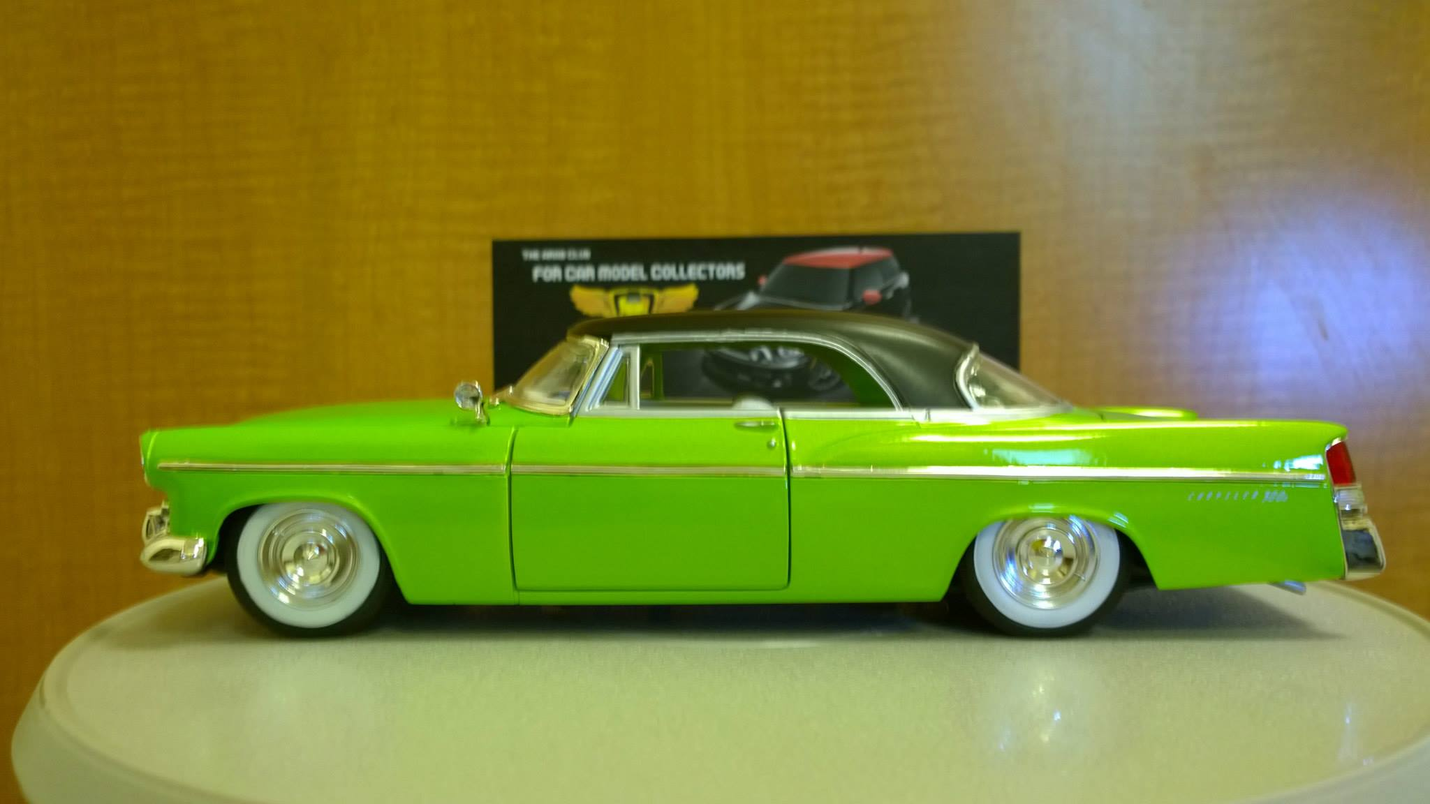 1956 Chrysler 300b 1-18 Diecast