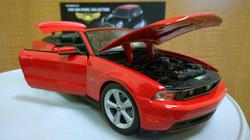2010 Mustang GT Convertible 1-18 Diecast