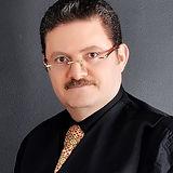 Dr Amir Pic smalllllllller.jpg