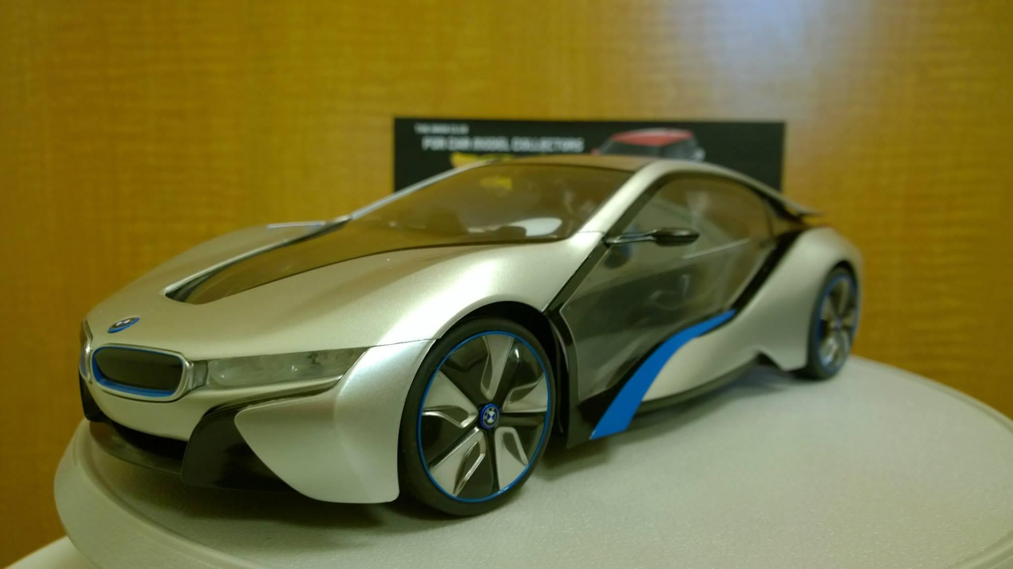 BMW i8 RC 1-14 model
