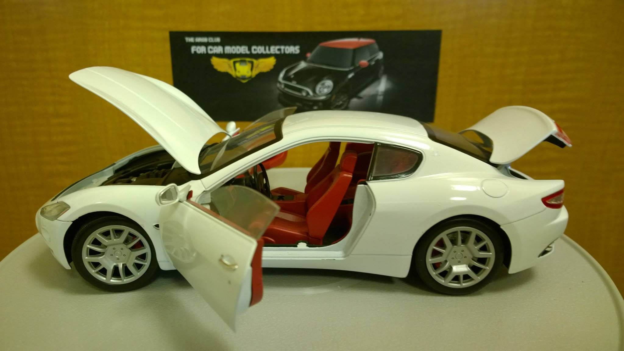 Maserati GranTurismo 1-18 diecast