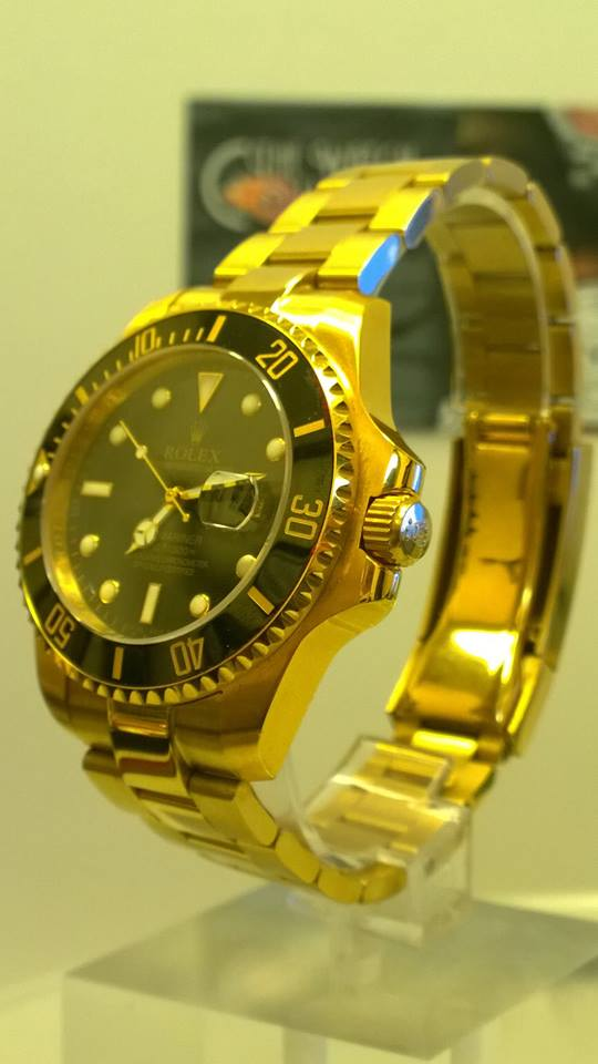 Rolex Oyster Perpetual Date Submariner Gold Black