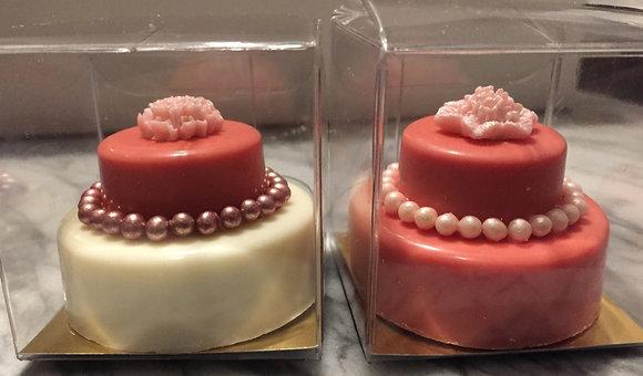 Cake Favour - Chocolate Covered Oreo Cake