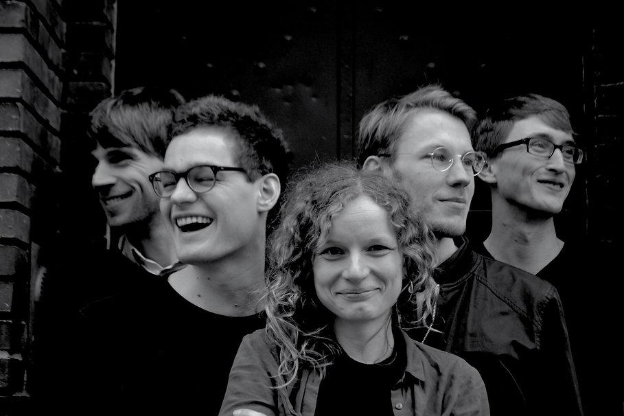 Dina Band Foto