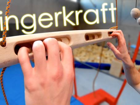 Fingerkraft deutlich steigern ► mit dem Hangboard und der Griffkraftkugel von EDELKRAFT