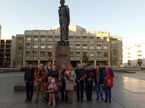 Коммунисты и комсомольцы Центрального района отметили 140-ю годовщину со дня рождения Ф.Э.Дзержинско