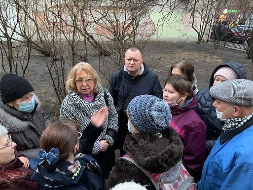Народный сход в защиту сквера В Кузнечном переулке