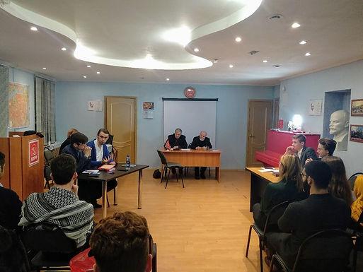 18 ноября коммунисты Центрального района провели собрание политклуба «Красное знамя».