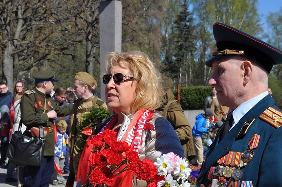 Красный День Победы. Возложение цветов на Пискарёвском мемориальном кладбище