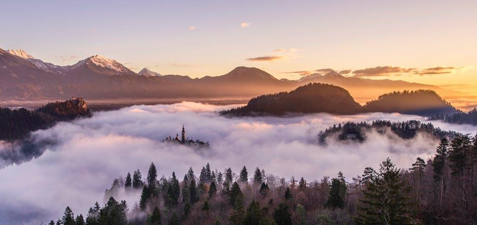 Au petit matin l'air est chargé de puissance, respirer vous verrez