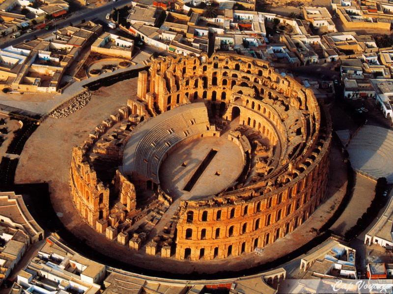 Amphitheatre-El-Jem-Tunisie-El-Djem-03.j