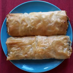 Lahanopita pie (single slice)