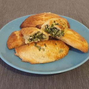 Dough spinach pies