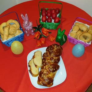Red eggs, cookies, tsoureki set