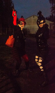 Image of two women dressed in Halloween costumes.