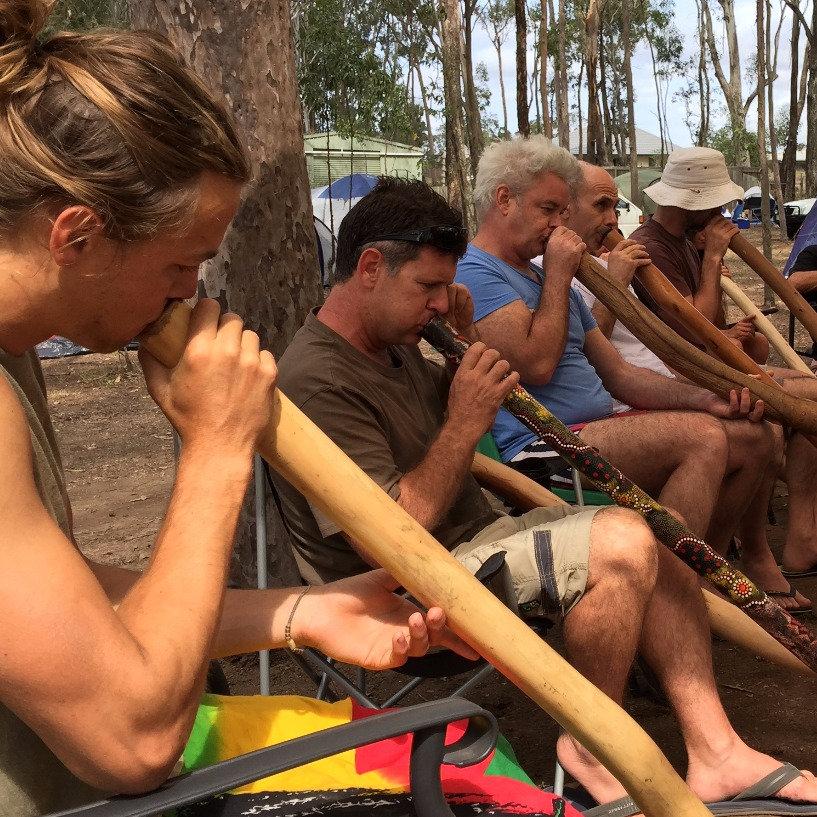 How To Play The Didgeridoo