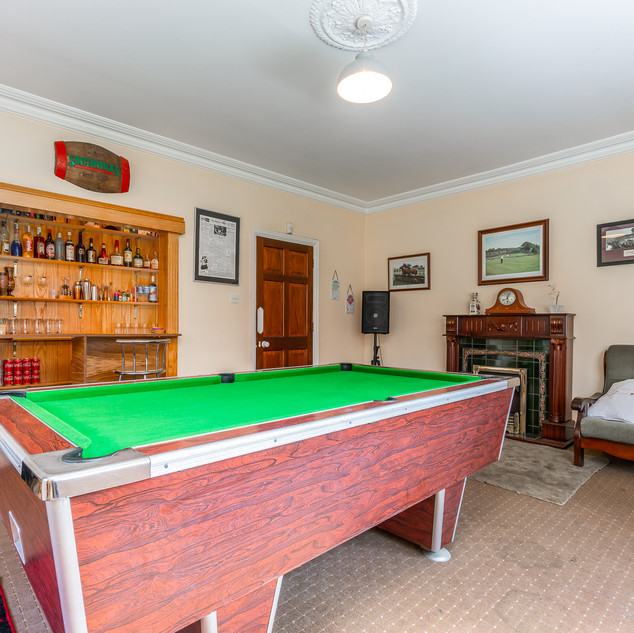 Bar / Pool Room