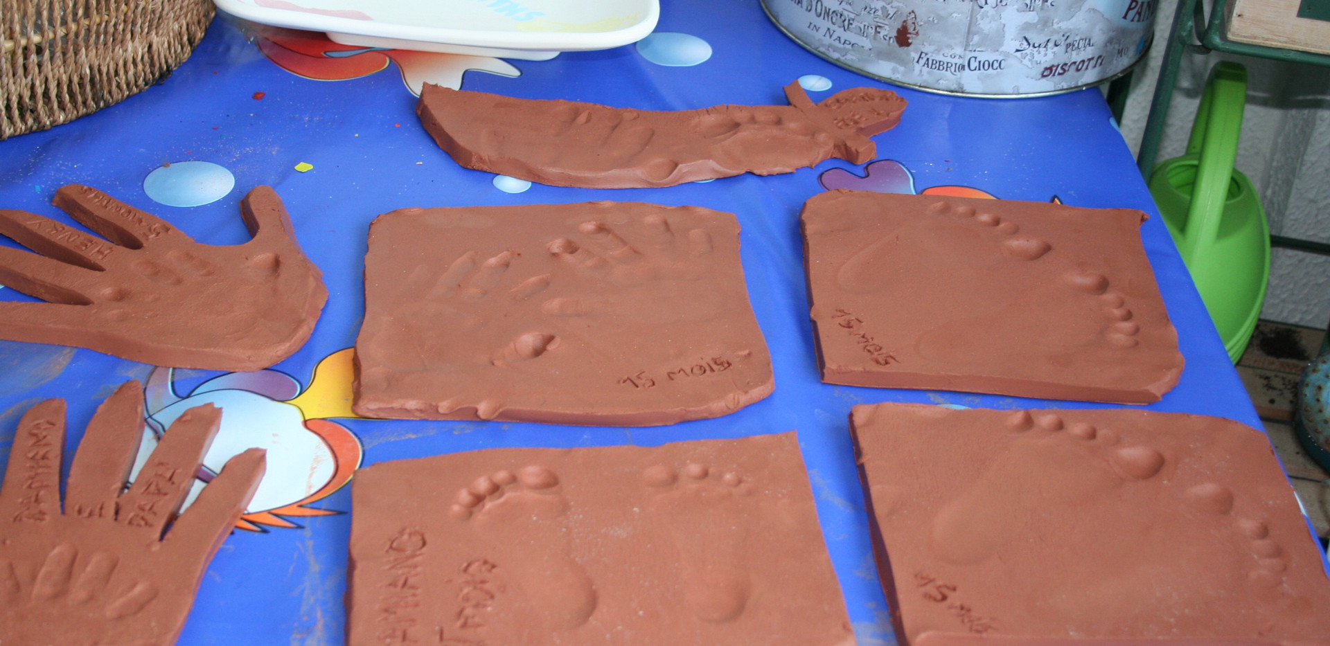 clay party favour