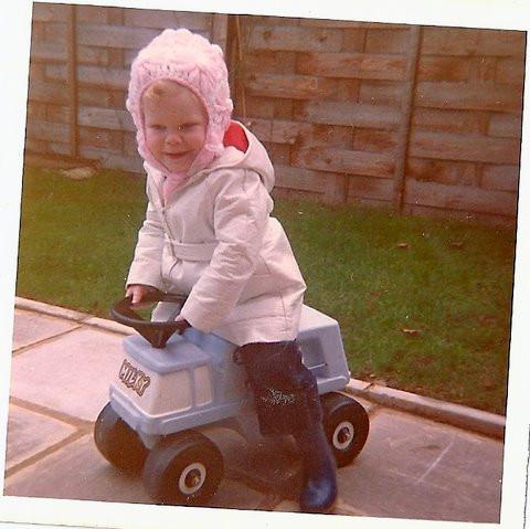 Antonia age 2,5 first job Milkperson