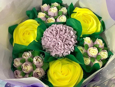Make Someone's Day With a Cupcake Bouquet