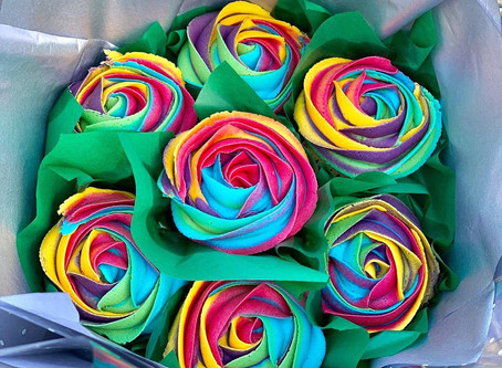 Different Ways To Give Our Beautiful Cupcake Bouquets As Gifts