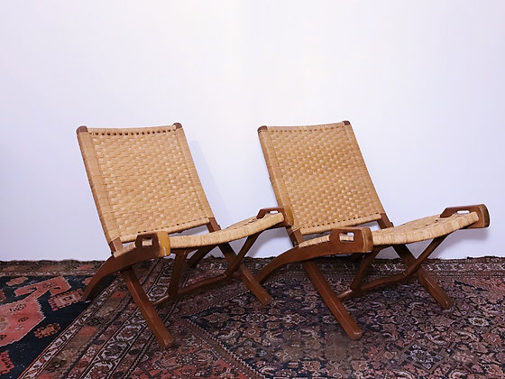 PAIR OF MID CENTURY FOLDING CHAIRS