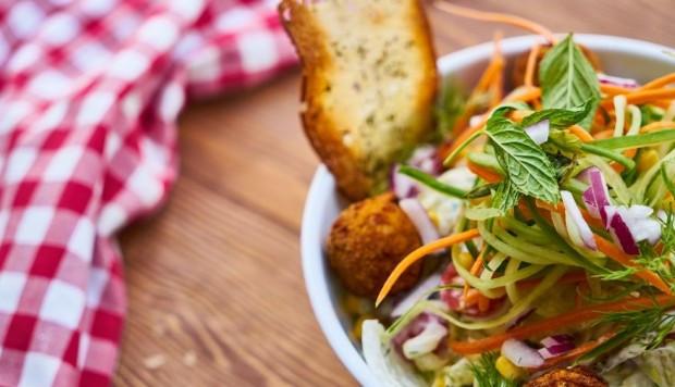 La fibra alimentaria incluye aquellas partes de los alimentos vegetales que el cuerpo no puede digerir o absorber. (Foto: Engin_ Akyurt en Pixabay. Bajo licencia Creative Commons)