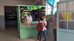 Más frutas, menos harinas, el objetivo de los quioscos saludables de las escuelas