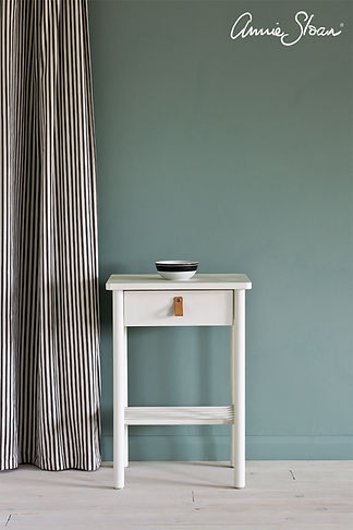 Old-White-side-table-Ticking-in-Graphite