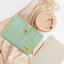 portefeuille en liège vert d'eau.jpg