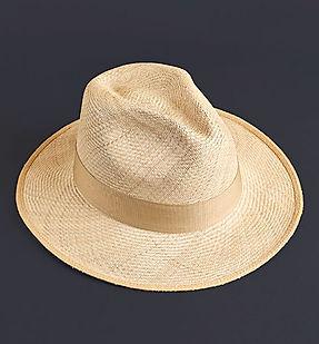 aguadeno_hat_lifestyle_1x1_nc.jpg