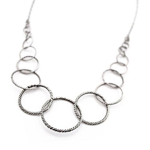 Elegant Twisted Chain