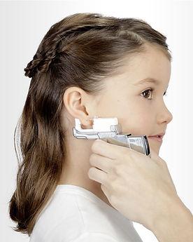 Studex Ohrlochstechen neue Ohrringe in Drogerie im Schwamedingerhuus Zürich