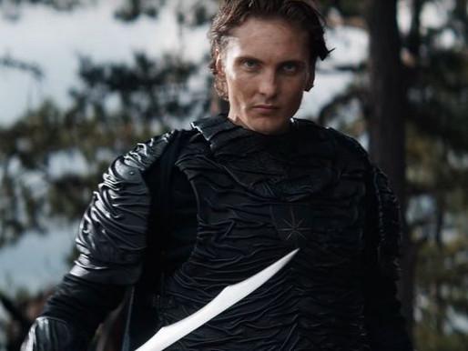 The Witcher | Fotos da segunda temporada revelam melhoras na armadura Nilfgaardiana