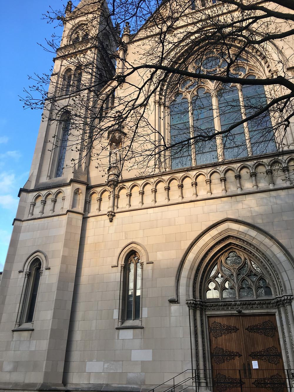 Theresa Abalos, photo of St. Paul's Cathedral in Pittsburgh, 2020.