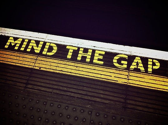 mind-the-gap-1876790_640.jpg