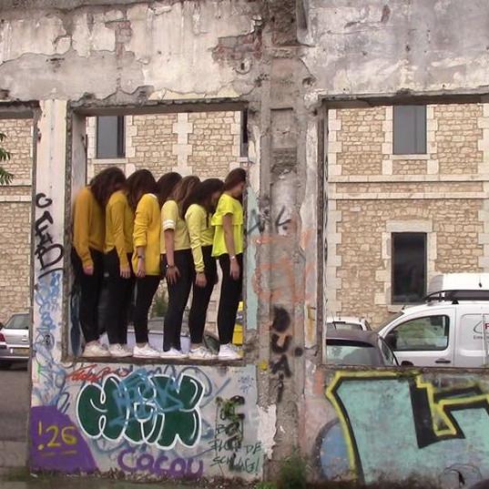 workshop art eleves en jaune graph juin