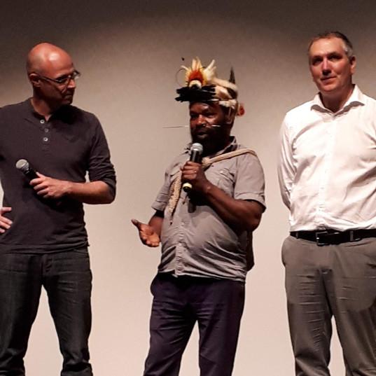 Projection du film Frères des arbres, l'appel d'un chef papou.