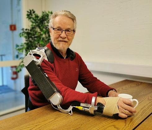 Exoskeleton, hjelpemiddel