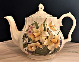 Queen's Bright Daffodils Teapot Made in