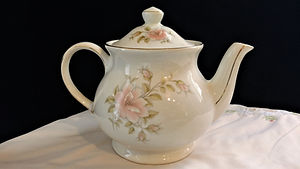 Windsor Gilded with Pink Flowers Tea Pot