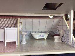 doll house bathroom.JPG