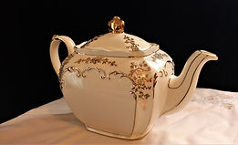 Sadler White and Gold Teapot Made in Eng